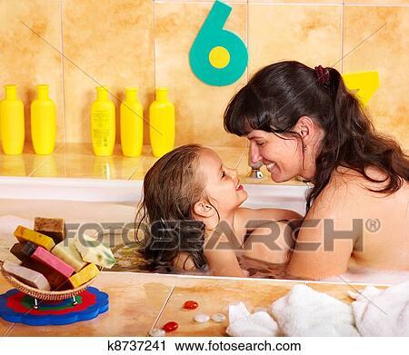 папа мама и дочь голые фото