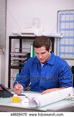 写真素材・動画素材・イラスト素材ストックフォト/写真素材 - 工員, すること, 机上事務, 中に, オフィス