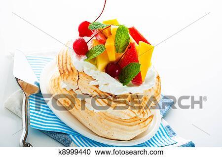 скачать бесплатно картинки с тортами, пироженными и пирогами