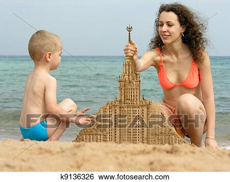 голые сын мама фото