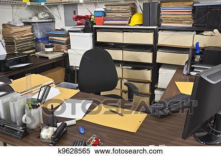 banque d 39 image d sordre pi ce travail bureau bureau k9628565 recherchez des photos des. Black Bedroom Furniture Sets. Home Design Ideas