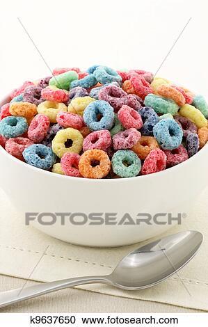免版税(rf)类图片 - 孩子, 美味, 同时,, 有营养, 谷物, 圈, 或者图片