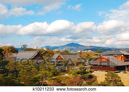 Banque de photo traditionnel japonaise maison - Zen forest house seulement pour cette maison en bois ...