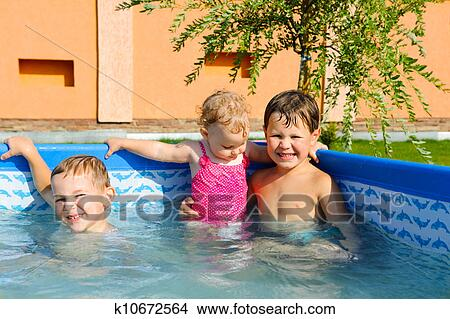 голые брат с сестрой фото
