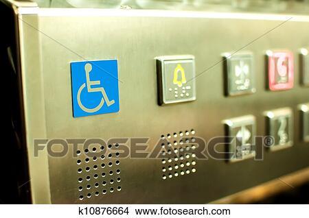 banque de photo handicap ascenseur boutons k10876664 recherchez des images des. Black Bedroom Furniture Sets. Home Design Ideas