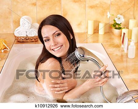 Смотреть моющиеся женщины