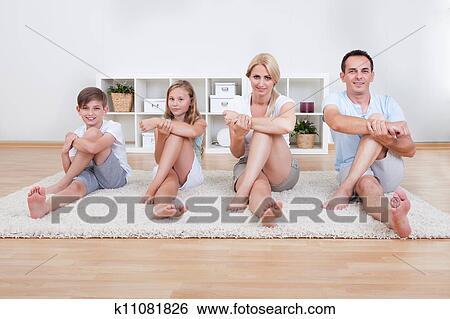 фото голая мама и папа и дочка
