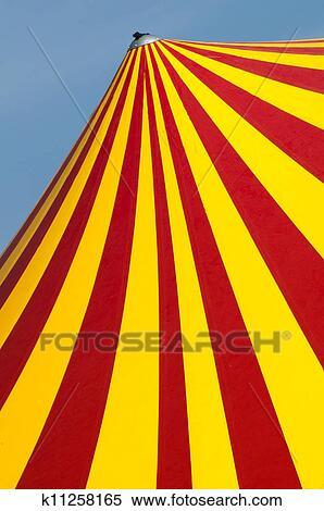 Decor Cirque Rouge Et Jaune
