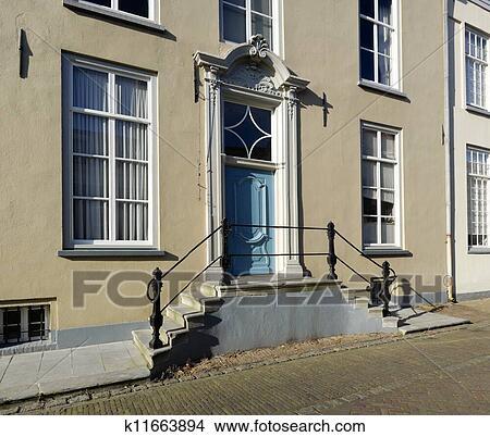 手绘图 - 房子, 带, 楼梯
