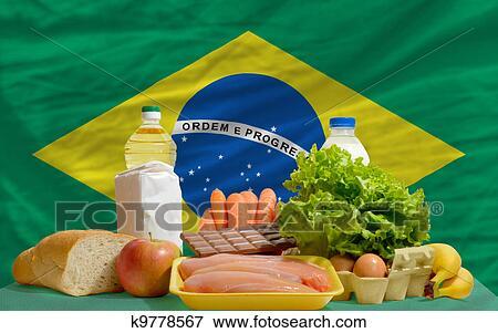 bild grundlegende speise lebensmittel vor brasilien nationales kennzeichen k9778567. Black Bedroom Furniture Sets. Home Design Ideas