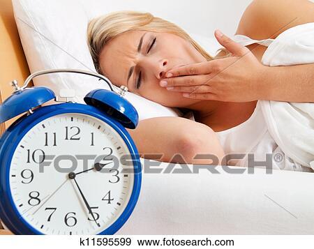 Banque de Photographies - horloge, à, sans sommeil, à, night.. Fotosearch - Recherchez des Photos, des Images, des Photographies et des Images ClipsArts