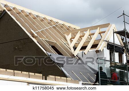 banque d 39 image obtenir les toit sur k11758045 recherchez des photos des images des. Black Bedroom Furniture Sets. Home Design Ideas