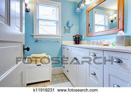 Badezimmer badezimmer weiß blau : Badezimmer Weiss Blau: Badezimmer Streifen Blau Weiß Maritim ...