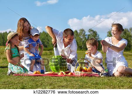 бесплатно фото семей натуристов