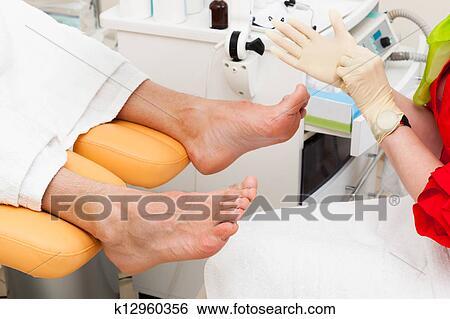 Лечить грибок ногтей стиральным порошком