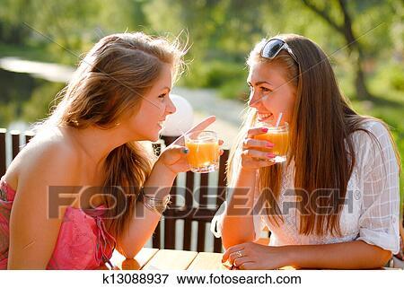 Skout chat meet friend dating \ Set-embarrassment ga