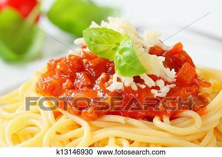 stock fotografie spaghetti bolognese k13146930 suche stockfotografien fotos wandbilder. Black Bedroom Furniture Sets. Home Design Ideas