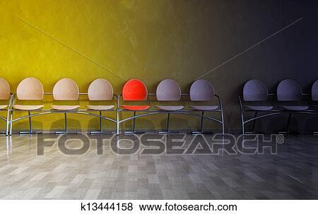 Stuhlreihe clipart  Bilder - stuhlreihe, in, wartezimmer, mit, eins, hervorgehoben ...