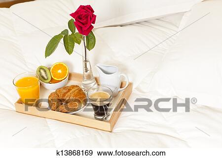 stock fotograf fr hst ck bett k13868169 suche stock fotografie poster bilder und foto. Black Bedroom Furniture Sets. Home Design Ideas