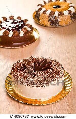 Украшение торта тирамису