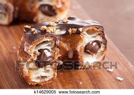 пончики с шоколадом внутри рецепт с фото
