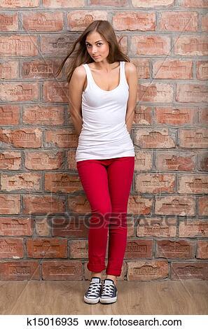 фото девушек в об штанах