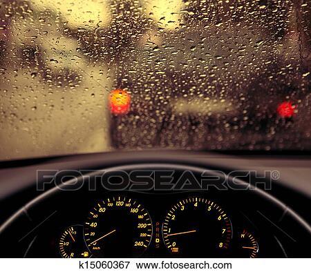 image pluie gouttelettes sur voiture pare brise k15060367 recherchez des photos des. Black Bedroom Furniture Sets. Home Design Ideas