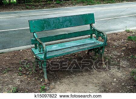 banque de photo vieux banc bois dans parc k15097822 recherchez des images des. Black Bedroom Furniture Sets. Home Design Ideas