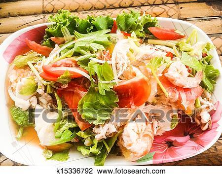 Оригинальные и вкусные салаты с фото