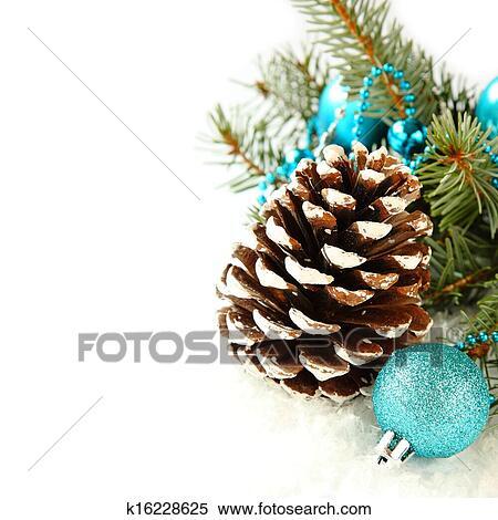 Stock bild pinecone mit weihnachtsdeko blau kugel - Weihnachtsdeko blau ...