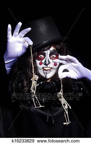 Colecci n de fotograf a monstruo con esqueleto en for Cuarto oscuro fotografia