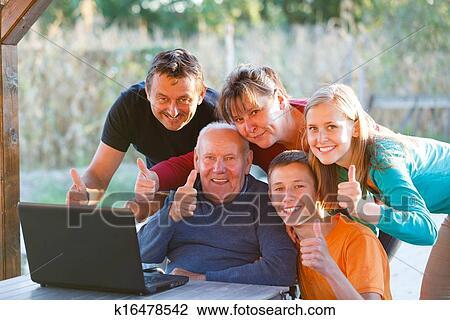 любительское семейное фото