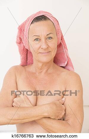 Пожилые тетки голые фото 9584 фотография
