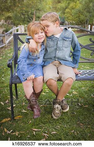 Голые брат и сестра фото