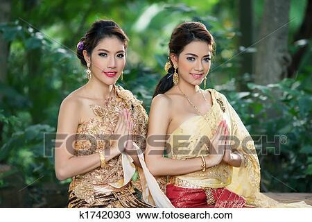 图吧- 二, 泰国人, 妇女, 穿, 典型, 泰国人, 衣服.
