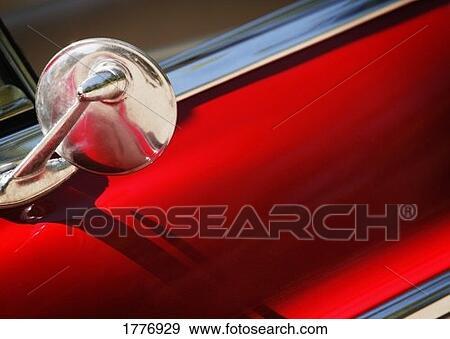 banque de photographies vieux fa onn miroir aile sur voiture 1776929 recherchez des. Black Bedroom Furniture Sets. Home Design Ideas