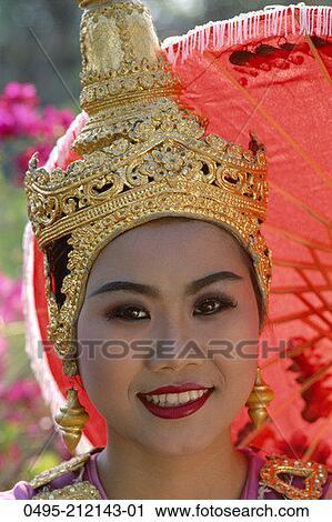 泰国女人穿衣打扮