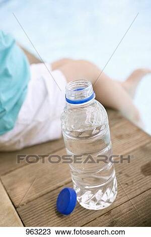 幼儿小班瓶子贴画