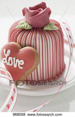 Pictures Of Marzipan Covered Cake Amp Heart Shaped Biscuit