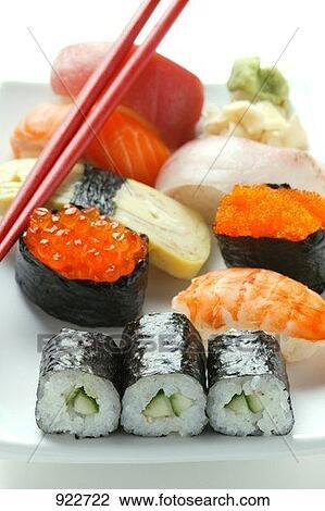 Archivio fotografico mescolato sushi piatto da portata - Piatto da portata ...