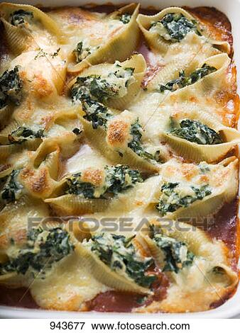 Picture of Gratin of pasta shells with spinach and mozzarella 943677 ...