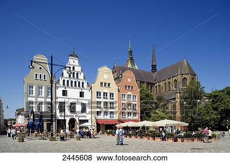 beelden kerk op markt plek nieuw breng op de markt plein rostock mecklenburg west. Black Bedroom Furniture Sets. Home Design Ideas