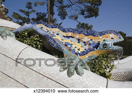 Archivio fotografico spagna barcellona parc guell for Salamandra barcelona