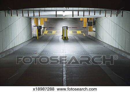 Immagini entrata rampa a sotterraneo parcheggio - Garage sotterraneo ...