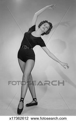 Banque de photo femme porter ballet collant danse for Collant mural francais
