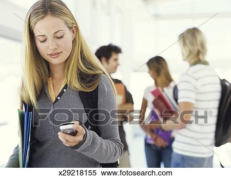 should student bring mobile phones to Schools should students be allowed to bring cell phones to school districts have policies in place that try to balance safety with the problem of classroom disruptions.