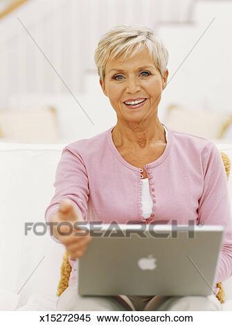 roosh v online dating