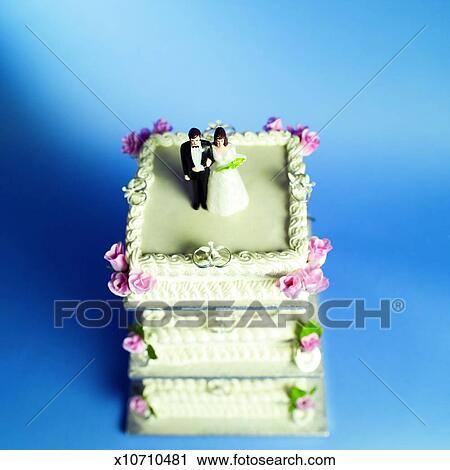 Four Tier Cake Graphic