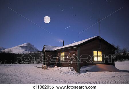 Colección de imágen   nieve cubrió, cabaña, debajo, luna llena ...