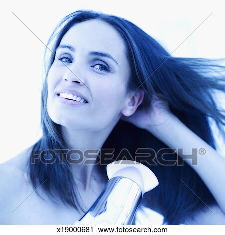 banques de photographies jeune femme s cher s choir elle cheveux x19000681 recherchez des. Black Bedroom Furniture Sets. Home Design Ideas